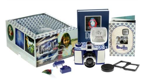 lomography-qing-hua-diana-f-camera-1